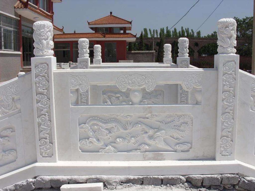 石雕栏板中各种图案的象征意义