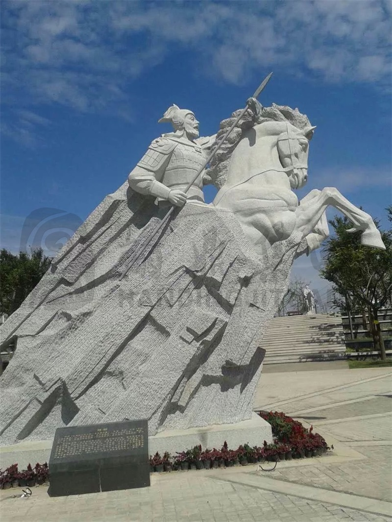 《项羽》   地点:安徽宿州   材质:芝麻灰   规格:高6.5米.jpg
